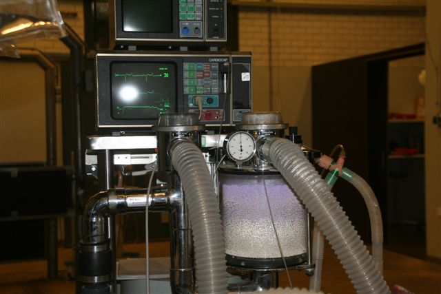 De anethesie machine en hartmonitor